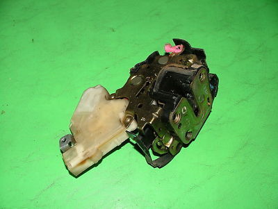 02 Subaru Impreza WRX Turbo POWER DOOR LATCH OEM RF
