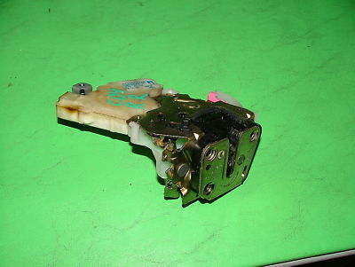 02 Subaru Impreza WRX Turbo POWER DOOR LATCH OEM RR