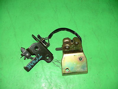 02 Subaru Impreza WRX Turbo REAR TRUNK LATCH