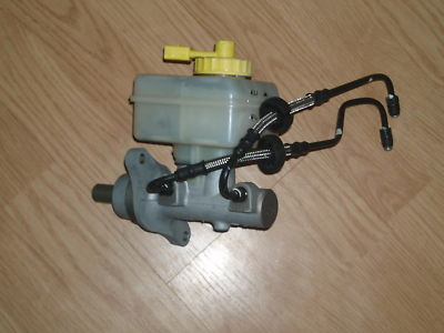 05 VW TURBO BEETLE BRAKE MASTER CYLINDER WITH LINES