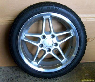 Pair Nokian Hakkapeliita W 235/45/17 Winter Tires