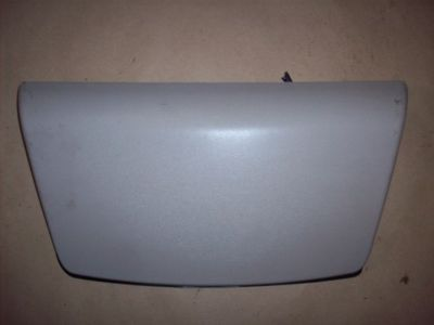 2001 2002 Saturn L300 Center Brake Light Cover