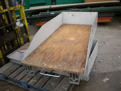 BED RAT TRUCK BED SLIDE OUT EXTENDER TRAY VERY NICE
