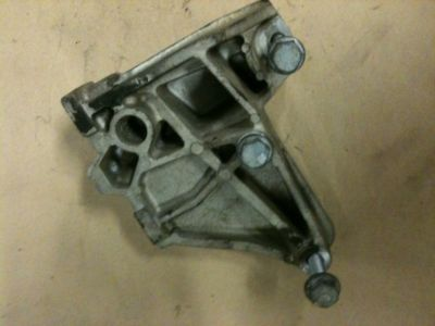 9905 VW MK4 JETTA 20 MANUAL TRANSMISSION MOUNT BRACKET