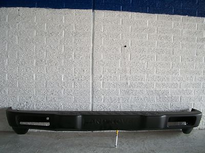 20002004 LAND ROVER DISCOVERY REAR BUMPER COVER