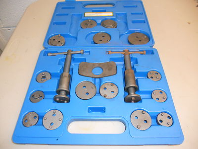 DISC BRAKE PAD AND CALIPER 18 PC. SERVICE TOOL KIT